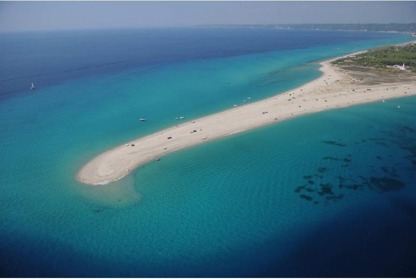 Халкидики желано място за живеене в имот на първа линия на морето
