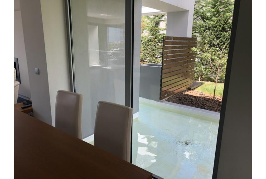 Къща на две нива Сани Халкидики Гърция с веранда и басейн.
